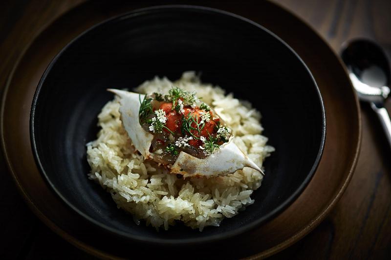 多間本地食肆和主要美食區將配合「香港盛宴11月」活動,於十一月推出連串美酒佳餚主題活動及餐飲優惠。圖示其中一間參與「秋天的『蟹』逅」活動的食肆推出螃蟹菜式。