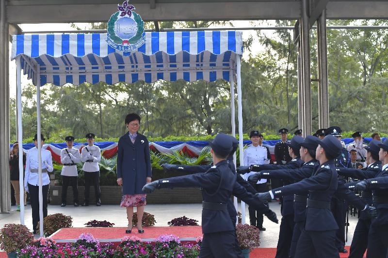 行政長官林鄭月娥今日(十二月一日)下午在入境事務學院結業會操上檢閱結業學員。