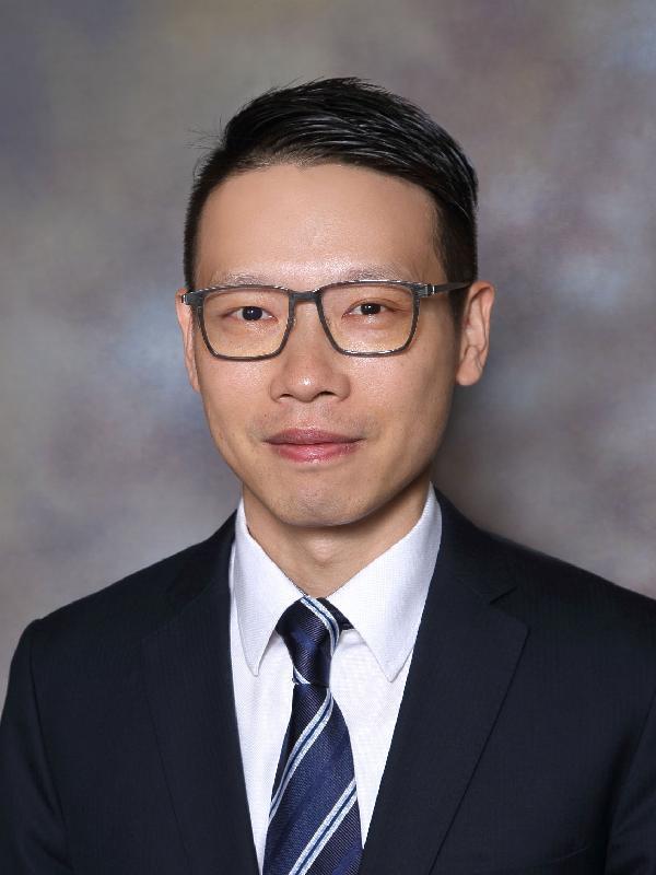 新任元朗民政事務專員袁嘉諾。