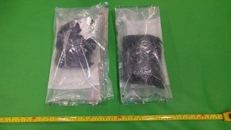 香港海關昨日(十二月十二日)在沙田檢獲約兩公斤懷疑可卡因,估計市值約一百八十四萬元。