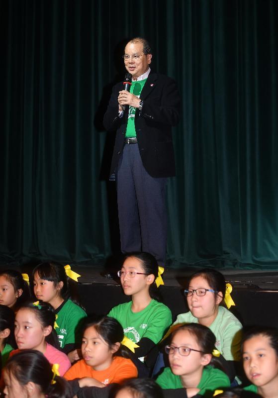 政務司司長張建宗今日(十二月十七日)傍晚在兒童發展配對基金聖誕頌歌節2017音樂劇上致辭。