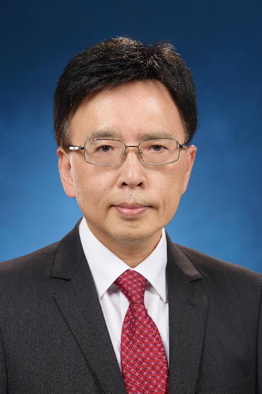 現任庫務署副署長黃成禧將於二○一八年一月三日出任庫務署署長。