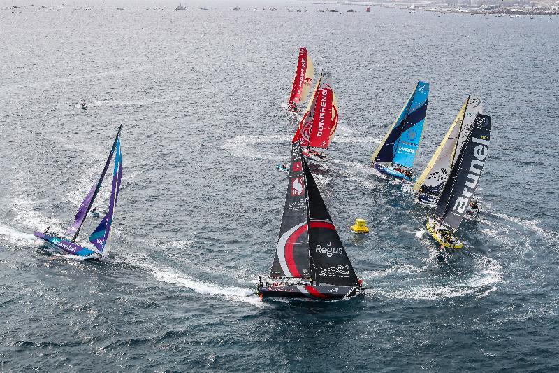 「環球帆船賽香港站─帆船嘉年華」一月十七日至三十一日在啟德跑道公園舉行。圖示帆船賽於南非開普敦站進行的賽事。