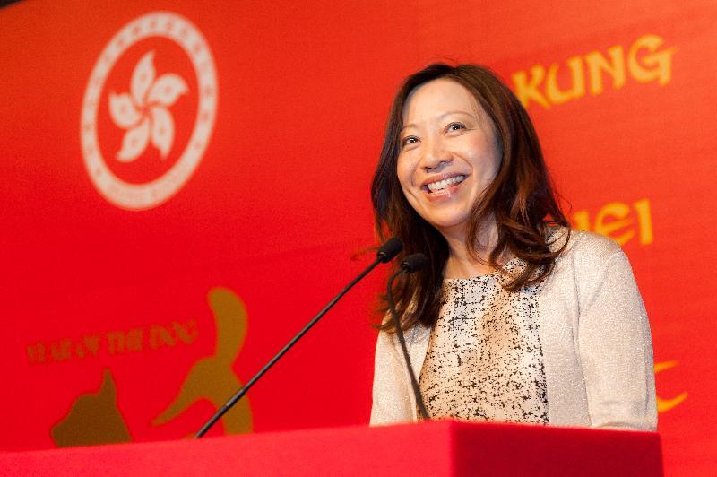 香港駐倫敦經濟貿易辦事處(倫敦經貿辦)處長杜潔麗於二月二十一日(倫敦時間)在倫敦經貿辦新春酒會上致辭。