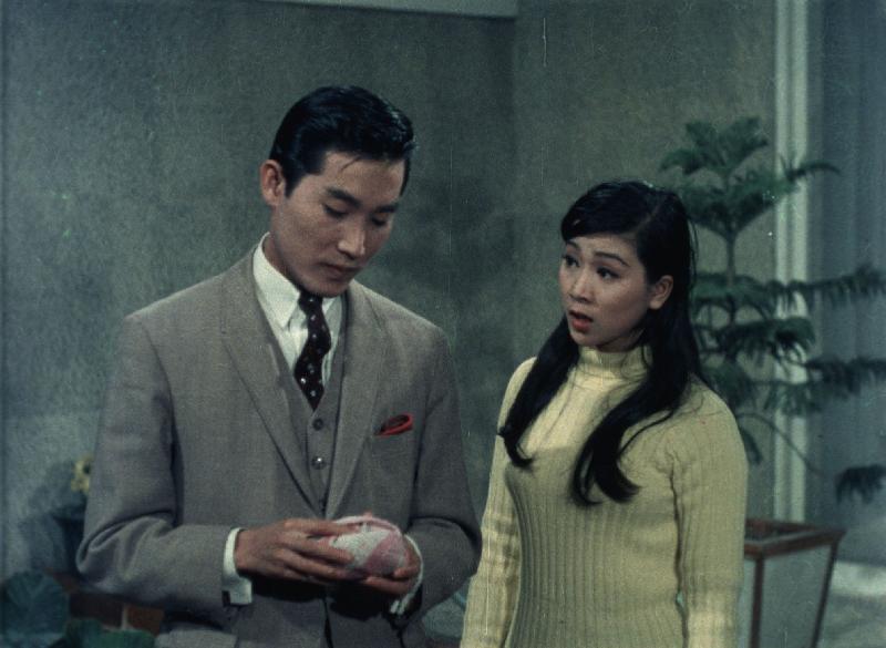 康樂及文化事務署香港電影資料館的「影畫早晨」節目將以「最佳拍檔之談談情」為題,選映六對為人熟悉的銀幕情侶的代表作。圖為《花月佳期》(1967)劇照。