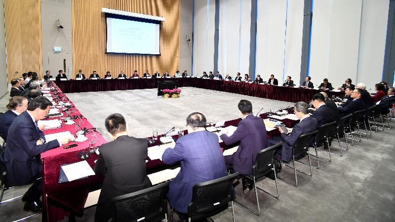 行政長官林鄭月娥今日(三月二十七日)在政府總部主持行政長官創新及策略發展顧問團首次會議。