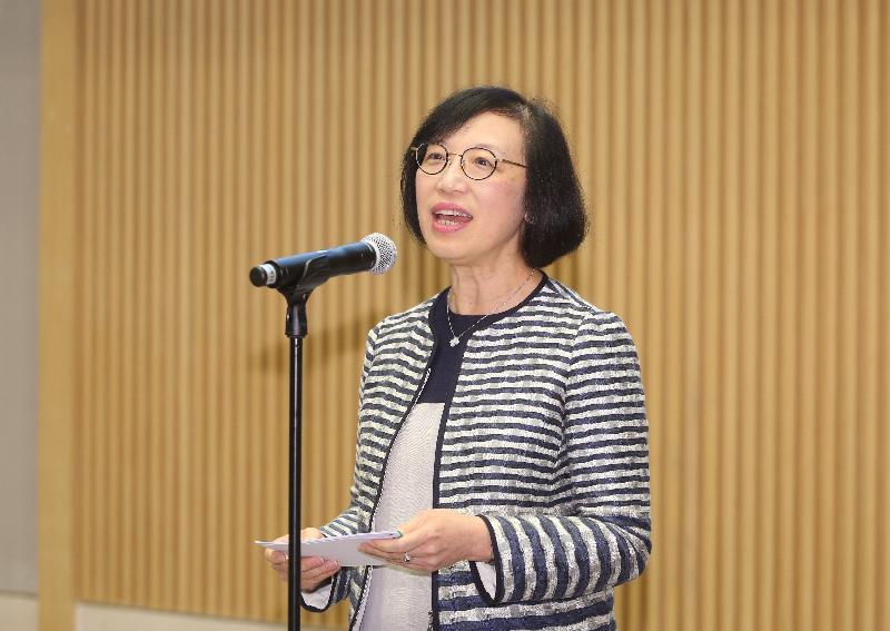 食物及衞生局局長陳肇始教授今日(四月十九日)宣布,香港言語治療師公會在「認可醫療專業註冊先導計劃」下獲得正式認證,獲授權為認可醫療專業團體。