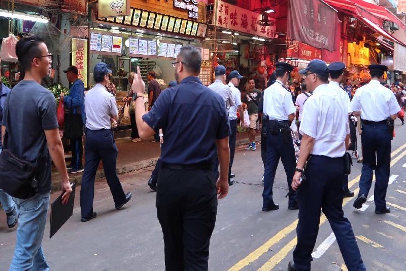 環境保護署聯同其他部門於去年十二月及今年一月在元朗新街一帶進行聯合執法行動,打擊菜店持續以揚聲器大聲播放叫賣錄音。