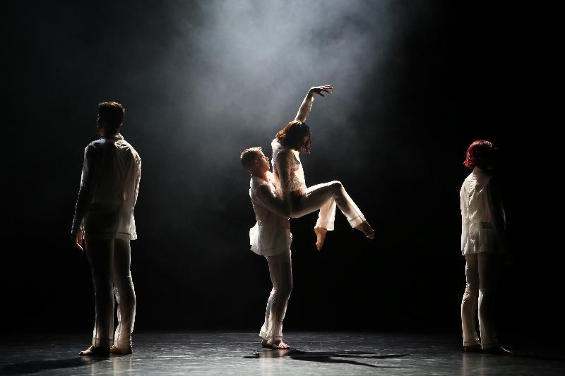 《四季》六月十四日在布里斯班的昆士蘭表演藝術中心展開澳洲巡演。