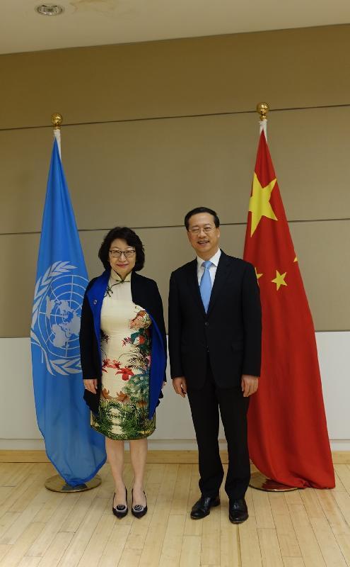 律政司司长郑若骅资深大律师(左)今日(美国东岸时间七月十七日)在纽约与中国常驻联合国代表马朝旭(右)会面。