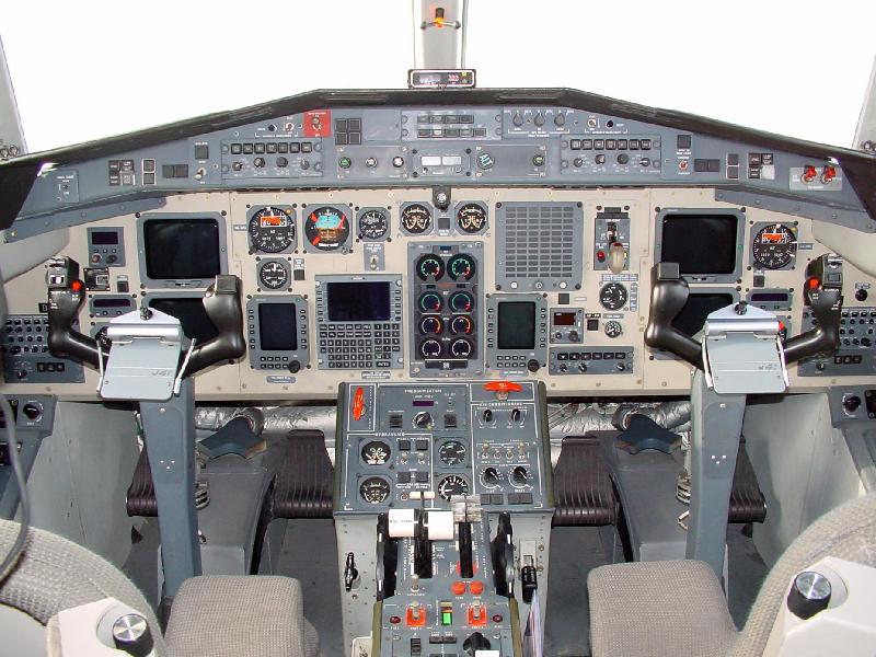 政府飛行服務隊定翼飛機「捷流41」今日(七月十七日)起正式於啟德跑道公園的草坪作長期展覽,供公眾觀賞。政府飛行服務隊製作了一個新網頁,讓市民可以進入虛擬實景旅程,了解飛機內外設備和它們的用途。