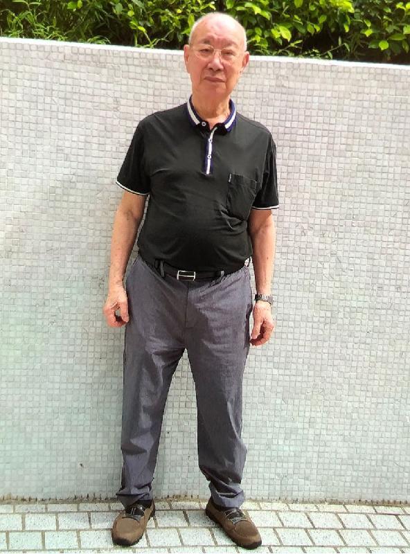 八十九歲男子簡修身高約一點六七米,體重約六十六公斤,中等身材,方面型,黃皮膚,蓄短白髮。他最後露面時戴眼鏡、身穿灰色長袖外套、卡其色短褲及黑色鞋。