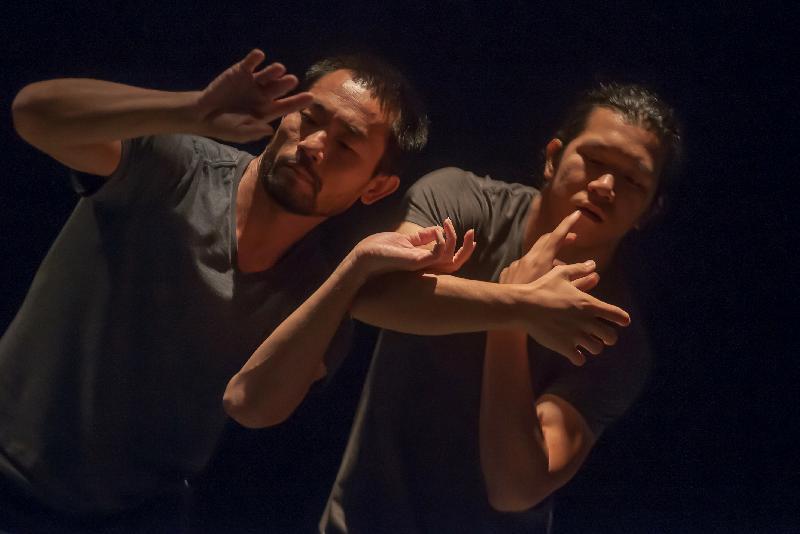 「新視野藝術節」於十月十九日至十一月十八日舉行,呈獻海外和本地藝團的創意作品,包括泰國傳統宮廷舞「箜舞」與當代hip hop對話的《碰上碰》。