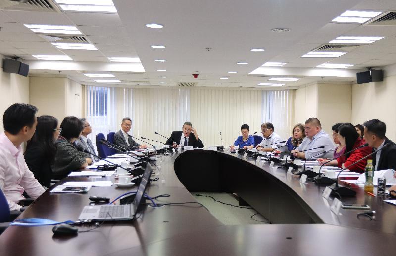 衞生署衞生防護中心轄下的傳病媒介疾病科學委員會今日(八月二十八日)舉行會議,檢視本地登革熱的最新情況及政府的防控措施。