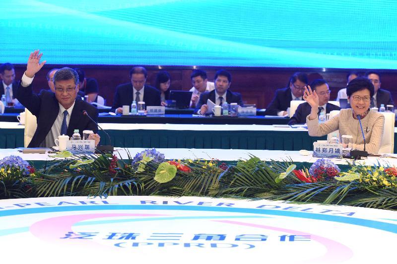 行政長官林鄭月娥(右)今日(九月五日)在廣州出席2018年泛珠三角區域合作行政首長聯席會議。
