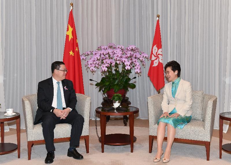 行政長官林鄭月娥(右)今日(九月十三日)下午在行政長官辦公室與馬來西亞財政部長林冠英(左)會面。