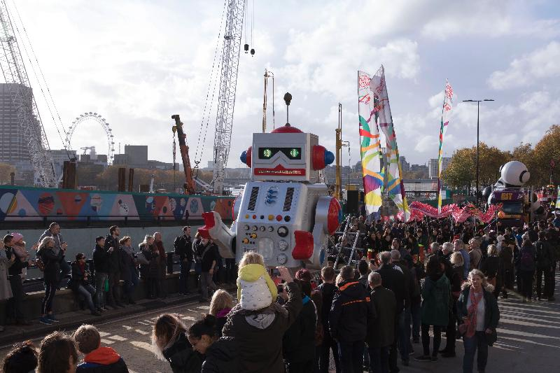 The Hong Kong Economic and Trade Office, London (London ETO), took part in the City of London Lord Mayor's Show on November 10 (London time) with a float celebrating Hong Kong's progress in innovation and technology and featuring two five-metre-tall robots. Picture shows the London ETO entry passing up the Embankment alongside the River Thames.