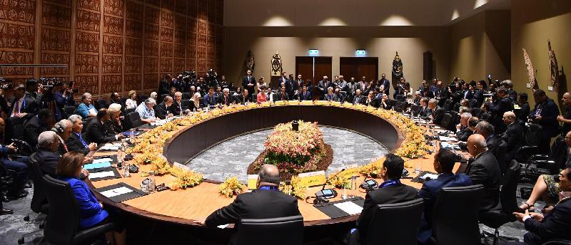 行政長官林鄭月娥今日(十一月十七日)下午在巴布亞新畿內亞莫爾兹比港出席亞太區經濟合作組織與太平洋島國領導人對話。