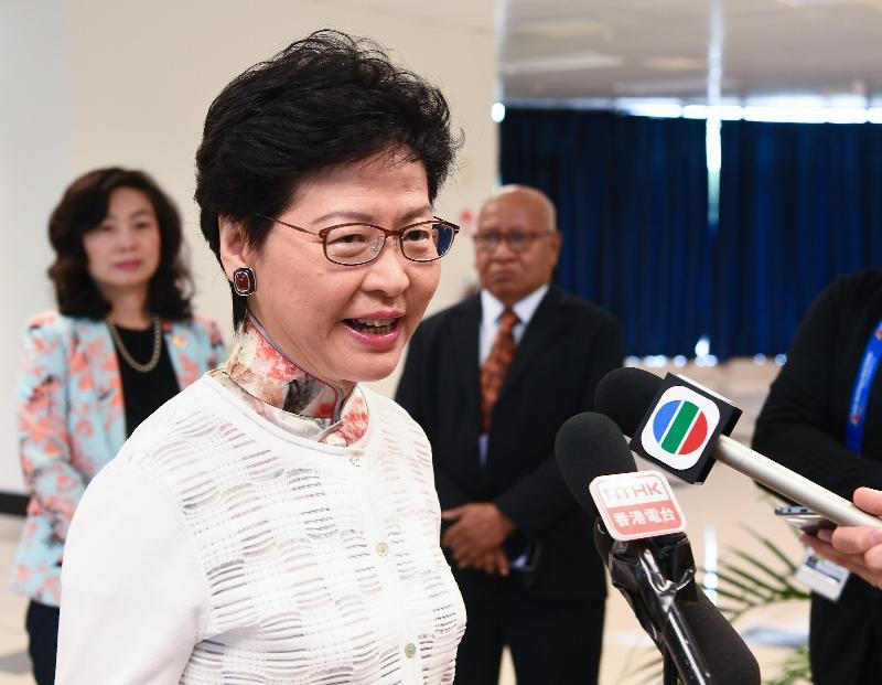 行政長官林鄭月娥今日(十一月十九日)在巴布亞新畿內亞莫爾兹比港與巴布亞新畿內亞總理奧尼爾會面後會見傳媒。