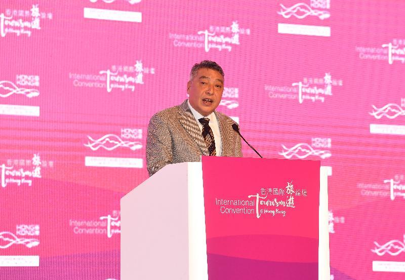 廣東省副省長許瑞生今日(十二月十二日)出席由政府連同香港旅遊發展局及香港旅遊業議會舉辦的香港國際旅遊論壇,並在開幕環節上致辭。
