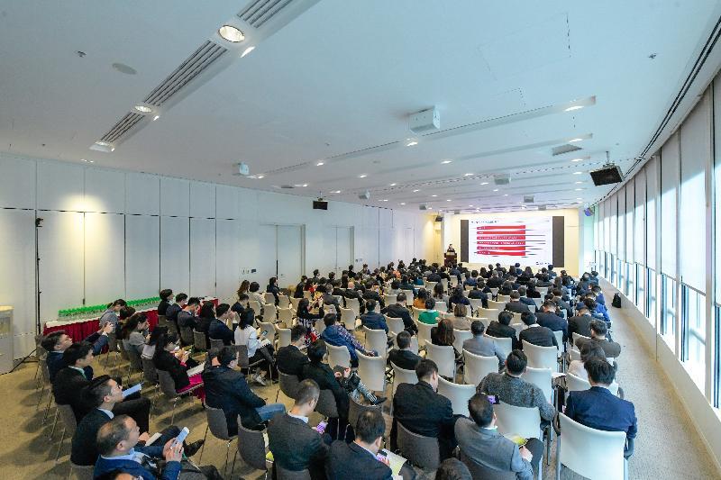 超過120名內地綠色債券意向發行人的代表昨日(一月十四日)參加「香港綠色融資研討會」。