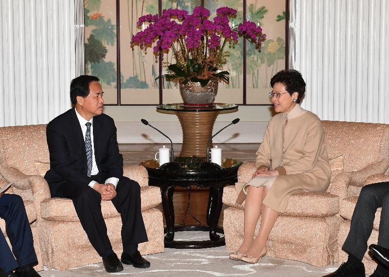 行政長官林鄭月娥(右)今日(二月二十六日)下午在禮賓府與海南省委書記劉賜貴(左)會面。