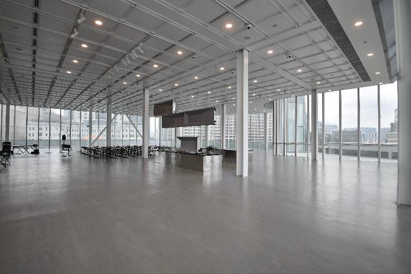 经过大型扩建和修缮工程,香港艺术馆今年十一月以全新面貌开放予公众参观。图示设于艺术馆顶层的新展览厅。