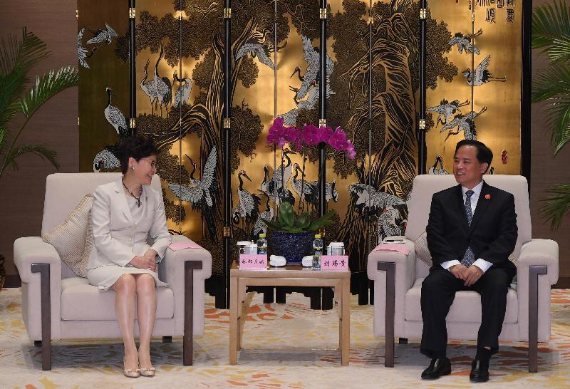 行政長官林鄭月娥(左)今日(三月二十九日)在海南出席博鰲亞洲論壇2019年年會期間,與海南省委書記劉賜貴會面。