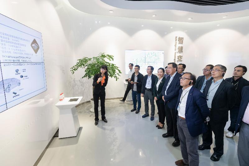 立法會聯席事務委員會訪問團今日(四月二十四日)參觀杭州國家高新技術產業開發區。