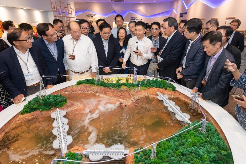 立法會聯席事務委員會訪問團今日(四月二十四日)參觀杭州林東新能源科技股份有限公司。