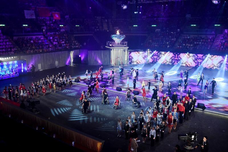 香港體育舞蹈總會及香港輪椅舞蹈運動協會成員聯同多位藝員今日(四月二十八日)在第七屆全港運動會開幕典禮參與舞蹈匯演。