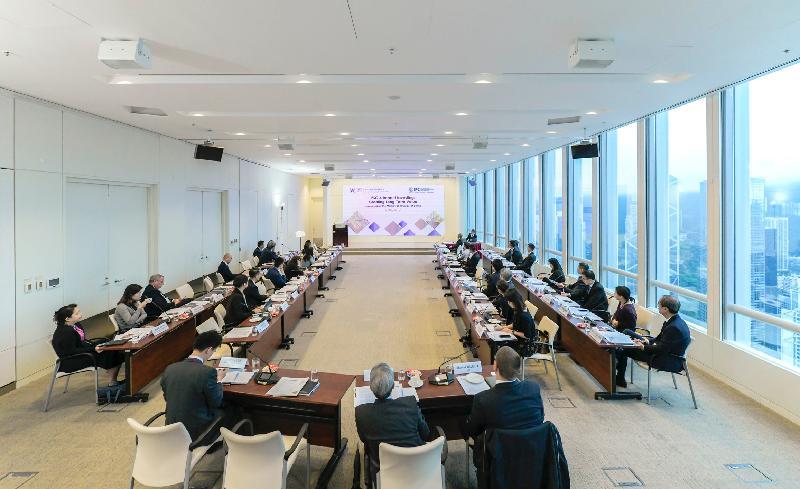 香港金融管理局基建融資促進辦公室今日(五月六日)與國際金融公司聯合舉辦研討會。約40位分別來自機構投資者、融資機構、基建項目發展及運營機構、保險公司和專業服務公司的高級管理人員出席。