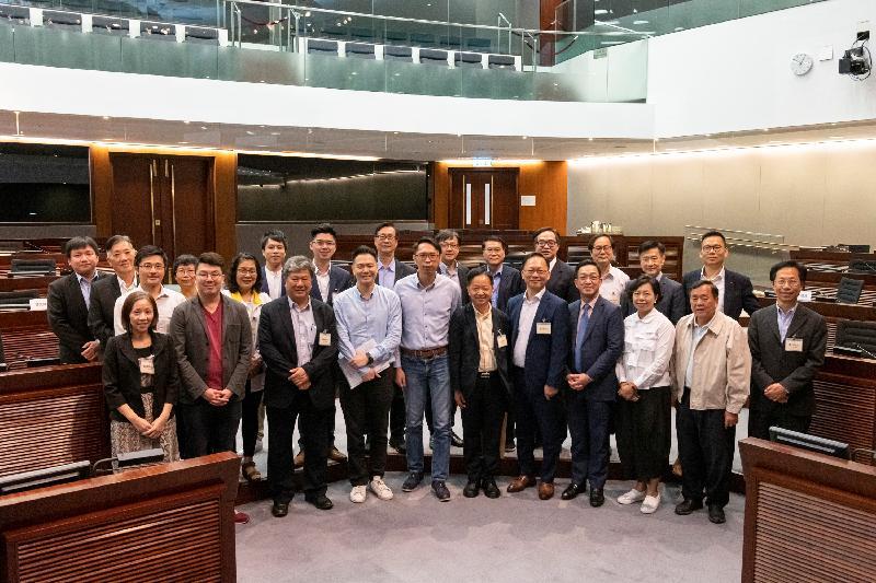 立法會議員與屯門區議會議員今日(六月四日)在立法會綜合大樓舉行會議,雙方在會議後合照。