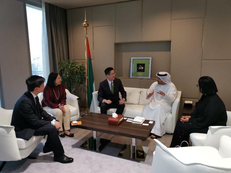 商務及經濟發展局副局長陳百里博士(左三)今日(杜拜時間六月十七日)在阿拉伯聯合酋長國(阿聯酋)杜拜與阿聯酋經濟部貿易救濟助理副部長Abdalla Sultan Alfan Alshamsi(右二)會面。