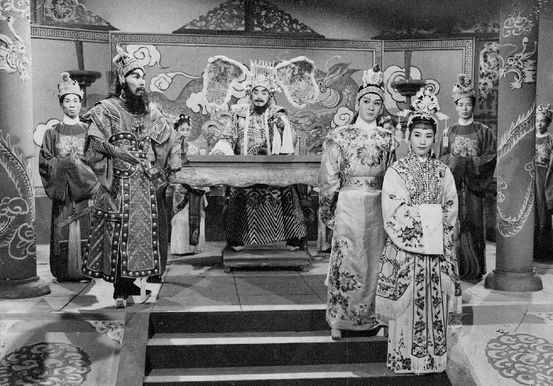 康樂及文化事務署香港電影資料館的「滄海遺珠」節目,將以「義蓋雲峰」為題,介紹活躍於五、六十年代,身兼製片及編劇的陸雲峰,並選映四齣由陸雲峰主事的製片公司出品的佳作。圖示《戰國佳人》(1959)劇照。