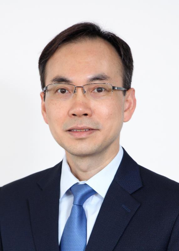 現任通訊事務副總監(電訊)梁仲賢將於二○一九年七月八日出任通訊事務總監。