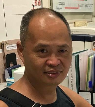 五十三歲男子陳偉昌身高約一點七米,體重約八十二公斤,中等身材、圓面型、黃皮膚及蓄短黑髮。他最後露面時身穿藍色短袖上衣、迷彩圖案短褲及灰色拖鞋。