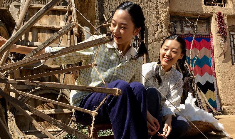 康樂及文化事務署和華南電影工作者聯合會合辦的「中國內地電影展2019」將於九月三日至十月十三日舉行,選映十八部內地近年出品的電影作品。圖示《愛上這片土地》(2019)劇照。