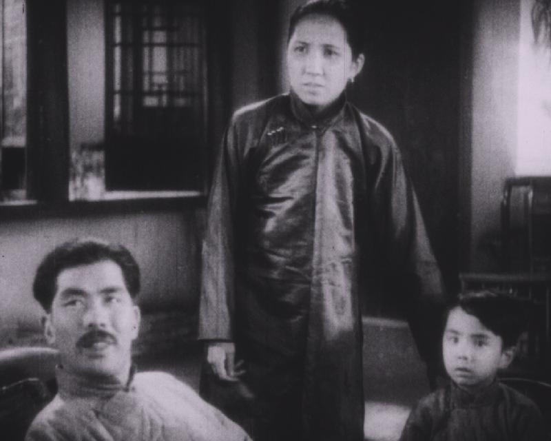 康樂及文化事務署香港電影資料館的「瑰寶情尋」系列將以「光影雙城」為題,於十月六日至二○二○年五月三日期間放映八套與上海有關的電影。圖示《天倫》(1935)劇照。