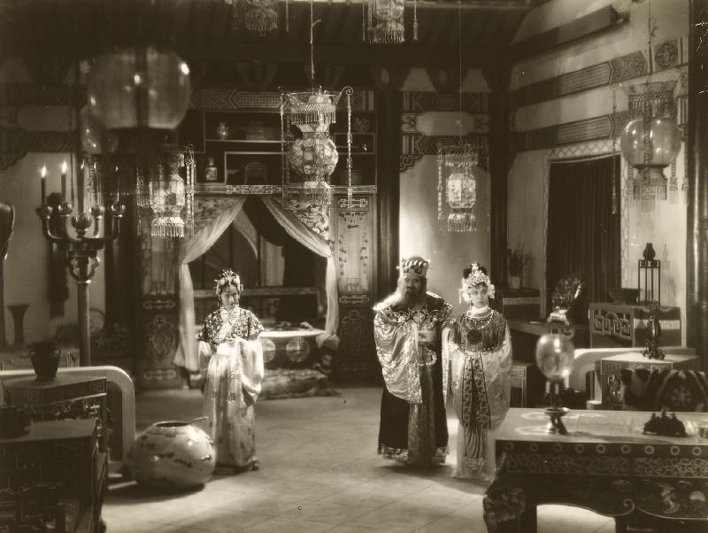 康樂及文化事務署香港電影資料館的「瑰寶情尋」系列將以「光影雙城」為題,於十月六日至二○二○年五月三日期間放映八套與上海有關的電影。圖示《貂蟬》(1938)劇照。