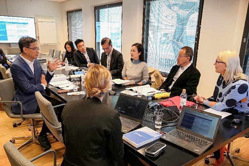 立法會代表團昨日(赫爾辛基時間九月九日)在芬蘭赫爾辛基訪問芬蘭國家教育機構訪問並聽取簡介。