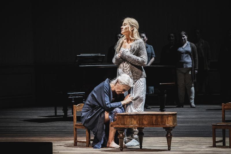 歌劇《秋天奏鳴曲》將於十月在香港作亞洲首演,節目由芬蘭著名作曲家施巴斯坦‧費格倫特將同名經典電影改編為兩幕歌劇,赤祼展示鋼琴家母親和女兒之間的愛恨交纏。