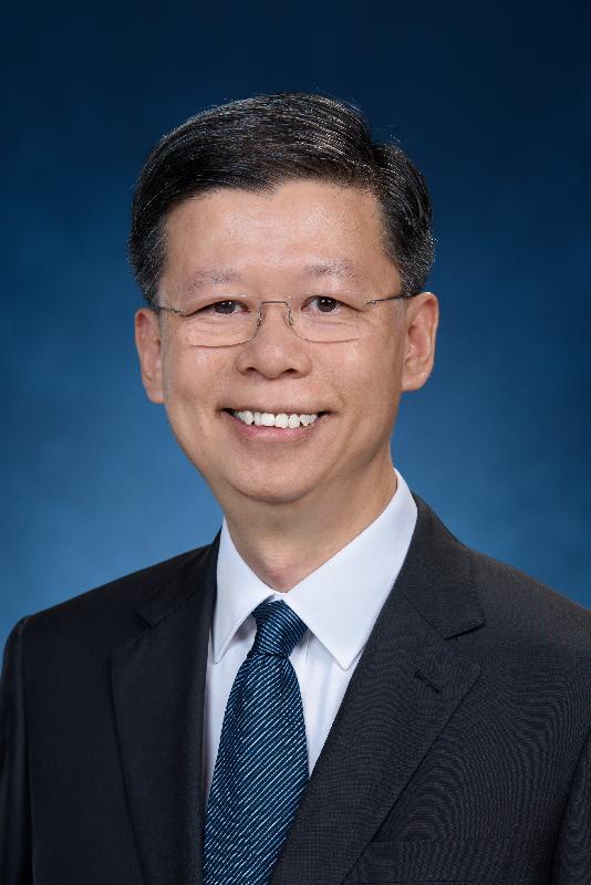 前香港郵政署長梁松泰將於二○一九年十月九日出任社會福利署署長。