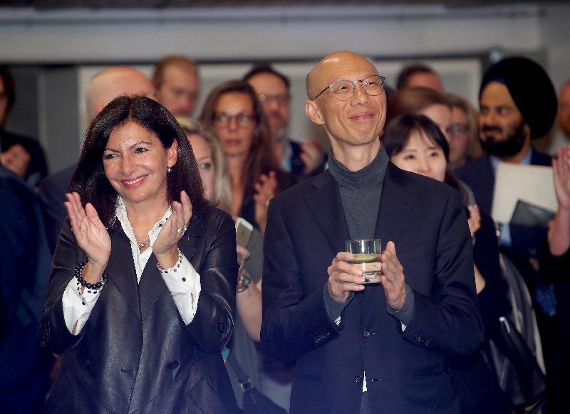 環境局局長黃錦星(前排右)十月九日(哥本哈根時間)在丹麥哥本哈根出席二○一九年C40城市氣候領導聯盟全球市長峰會正式歡迎招待會。
