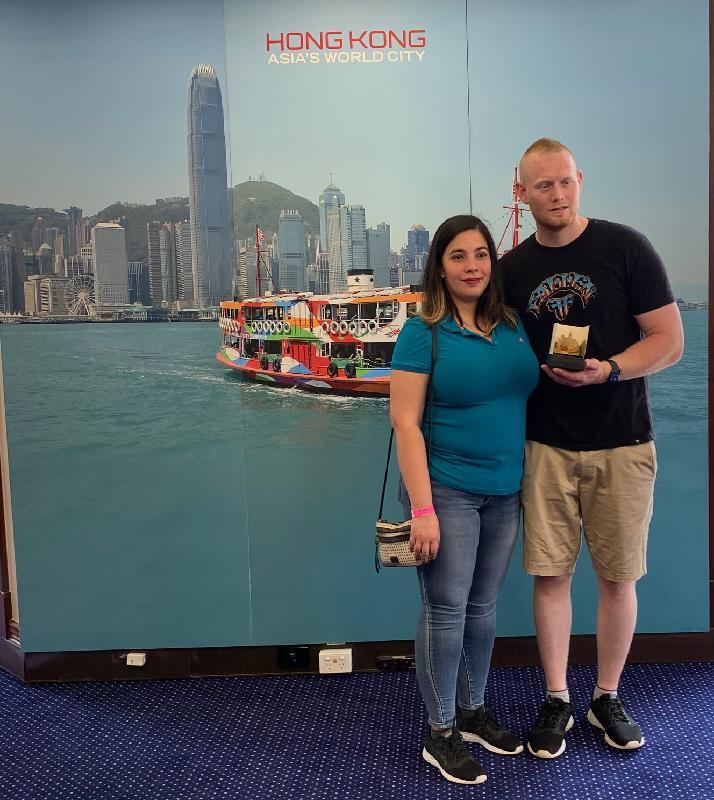 香港駐悉尼經濟貿易辦事處所在的香港樓昨日(悉尼時間十一月三日)再一次參與Sydney Open。 訪客獲贈具香港特色的紀念品。
