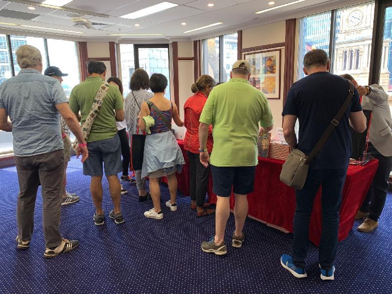 香港駐悉尼經濟貿易辦事處所在的香港樓昨日(悉尼時間十一月三日)再一次參與Sydney Open,吸引逾六百八十名市民參觀。