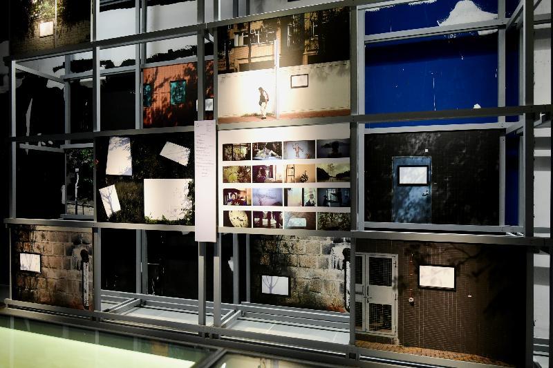 「時間的見證/又一山人 X 黃炳培/四十年創意展」今日(十一月九日)在香港文化博物館舉行開幕禮。圖示又一山人X黃炳培從企業社會價值出發的品牌推廣項目──《神畫》裝置。