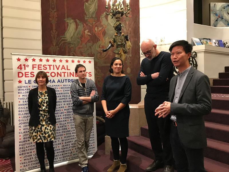 香港駐布魯塞爾經濟貿易辦事處副代表許澤森(右一)在十一月二十二日(南特時間)法國南特舉行的南特影展酒會擔任主禮嘉賓。