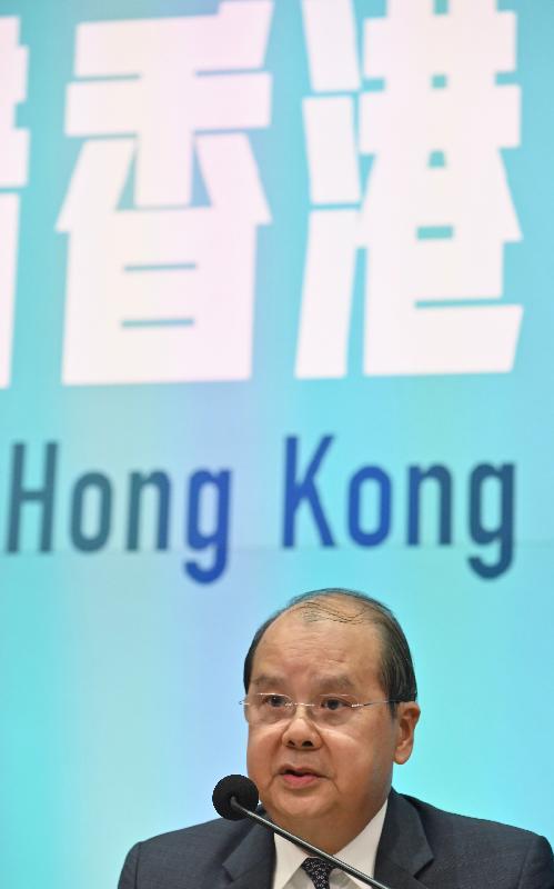政務司司長張建宗今日(十一月二十六日)下午在添馬政府總部主持跨部門記者會,並回應提問。