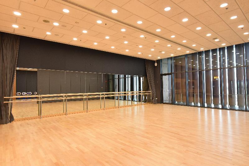 位於兆麟體育館四樓的多用途活動室將於十二月三十一日正式啟用,為居民提供多樣化的康體設施。